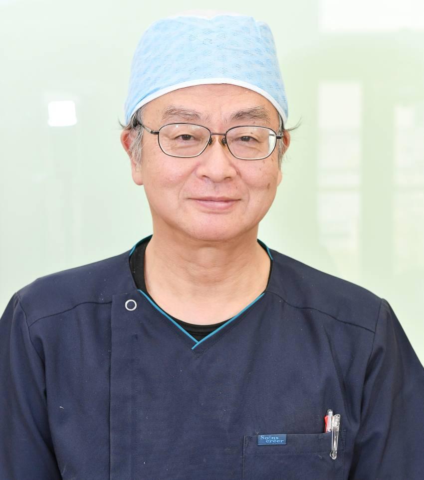 歯科医院の歯科医師の写真